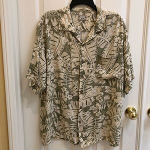Bungalow brand Mens short sleeve button up large
